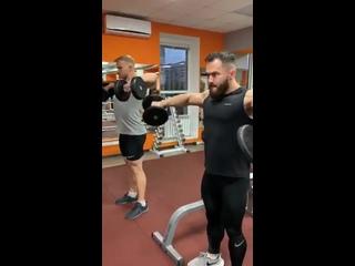 Персональные тренеры Айдар и Евгений