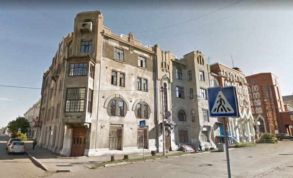 В Омске ремонтируют 100-летнее здание, где могли с...