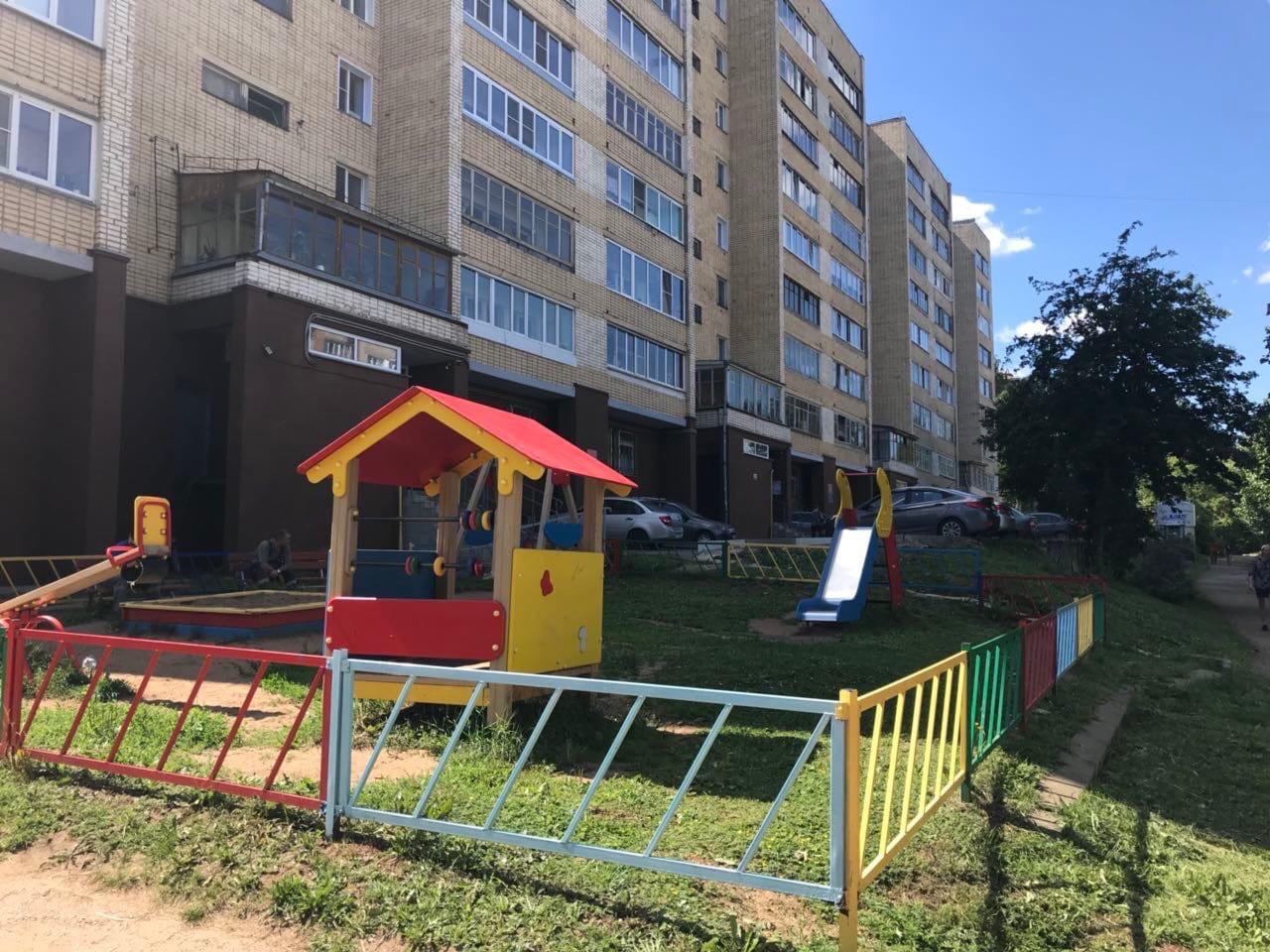 Улица Кольцова дом 22 кошение травы